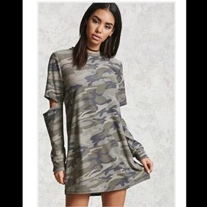 Forever 21 Elbow-Cut Camo Print Tunic